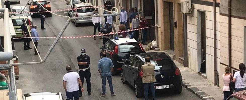 Femminicidio a Niscemi: pensionato uccide la moglie con una coltellata al collo
