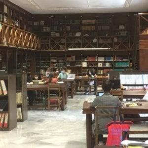 """Palermo, riapre la Biblioteca regionale ma i sindacati protestano: """"Non c'è l'igiene necessaria"""""""