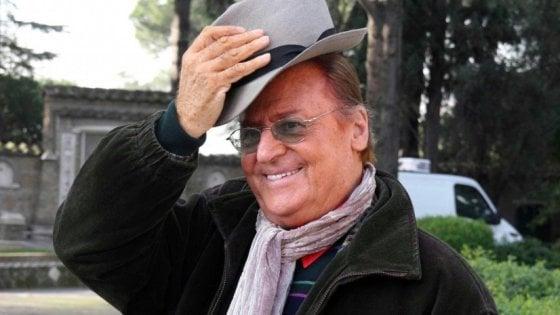 """""""Renzo Arbore e la rivoluzione gentile"""", la storia dello showman scritta da un siciliano"""