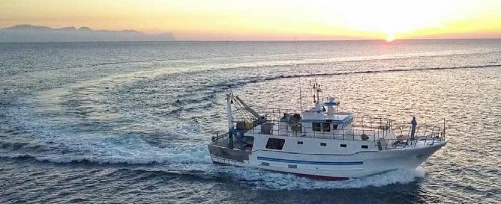 Trapani, il cacciamine Numana inizia le ricerche del peschereccio disperso