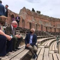 Sicilia: in piazza con coppole e 'tamburinari' contro la Lega