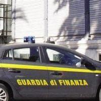 Catania, blitz nella più grande discarica della Sicilia: rifiuti non trattati, liquidi...