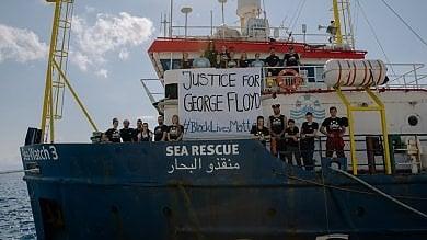 """Messina, la Sea Watch torna in mare """"Nel Mediterraneo violazioni terribili"""""""