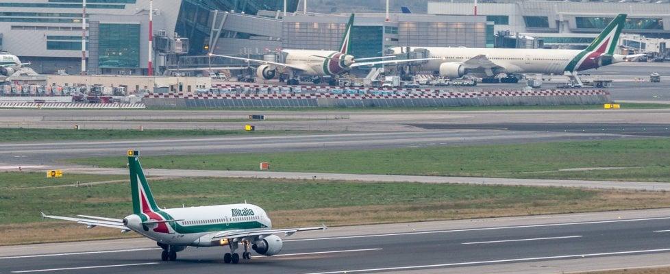 """Alitalia risponde alle accuse: """"Unica compagnia a restare in Sicilia durante pandemia"""""""