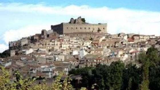 Montalbano Elicona, 50 euro a ogni turista che pernotta due giorni