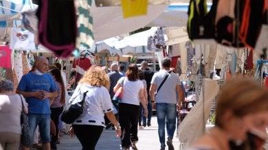 Palermo, al mercatino di via Galilei saltano le misure anti Covid
