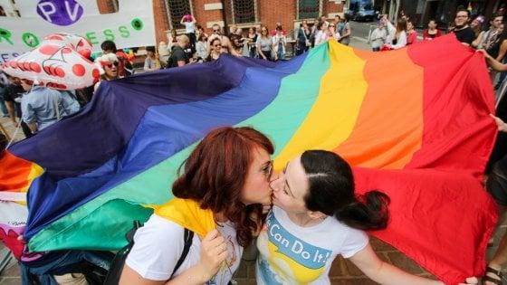 """Il Pride """"diffuso"""" nelle piazze della città"""