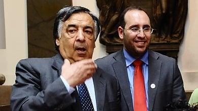 """La chat delle polemiche: """"Siete schiavi del capo"""". Ecco perché Darawsha si è dimesso   Palermo, l'assessore si dimette via twitter"""