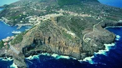 Ustica, dietrofront del ministero: niente bagnanti nella riserva marina