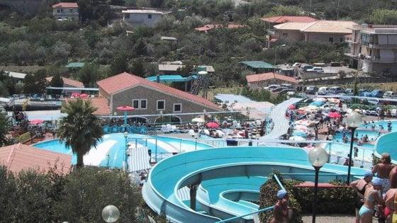 Palermo, incidente al parco acquatico: batte la testa, è in rianimazione