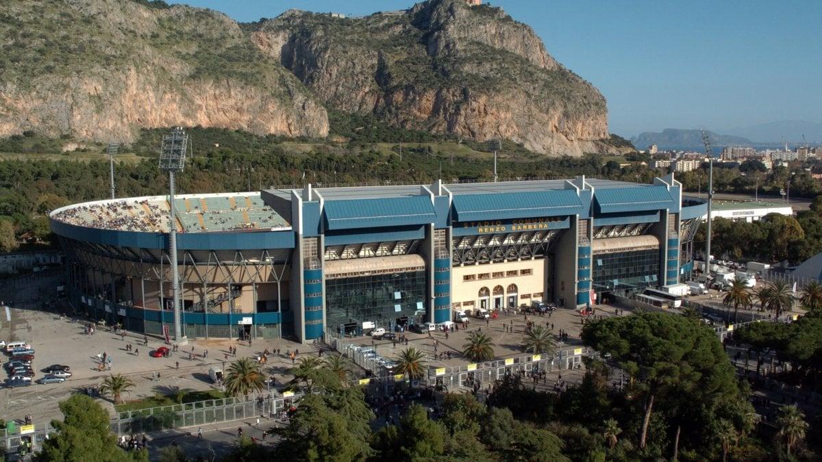 Il Comune sarà sponsor del Palermo, intesa sulla concessione dello stadio