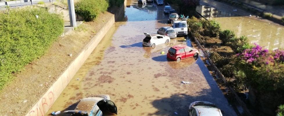 """Palermo, il giorno dopo la bomba d'acqua: circonvallazione bloccata, traffico in tilt. La protezione civile e i vigili confermano: """"Non c'è traccia dei dispersi"""""""
