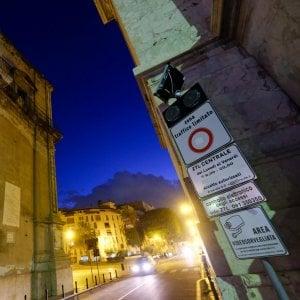 Palermo, il Consiglio comunale boccia la Ztl. Si spacca anche la maggioranza