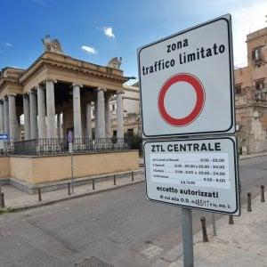 Maggioranza in frantumi sulla Ztl: tutti contro l'assessore Catania