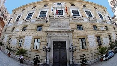 Palermo, nuovo schiaffo alla maggioranza il Consiglio boccia le pedonalizzazioni   Ztl bocciata, tutti contro l'assessore Catania