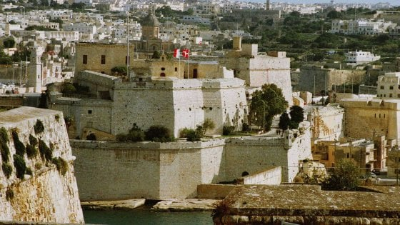 In Sicilia più contagi che in Lombardia, esplode il caso dei viaggi a Malta