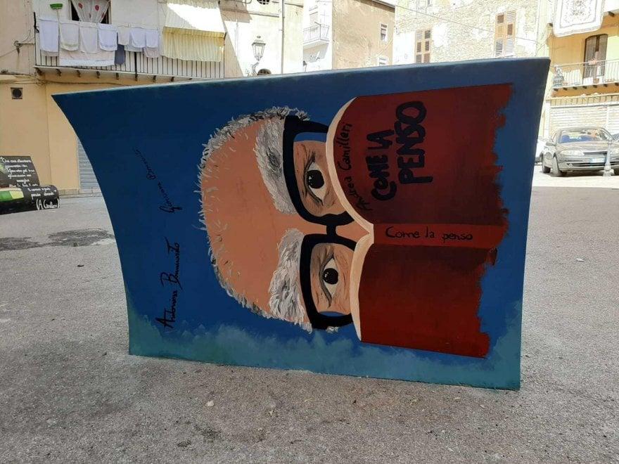 Porto Empedocle festeggia Camilleri con sei panchine letterarie