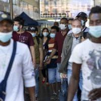 Coronavirus, Musumeci pronto a rendere obbligatorio uso mascherine all'aperto
