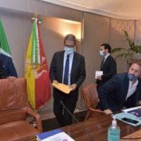 """Sicilia, allarme dei sindaci sull'ordinanza di Musumeci: """"Regole poco chiare"""""""
