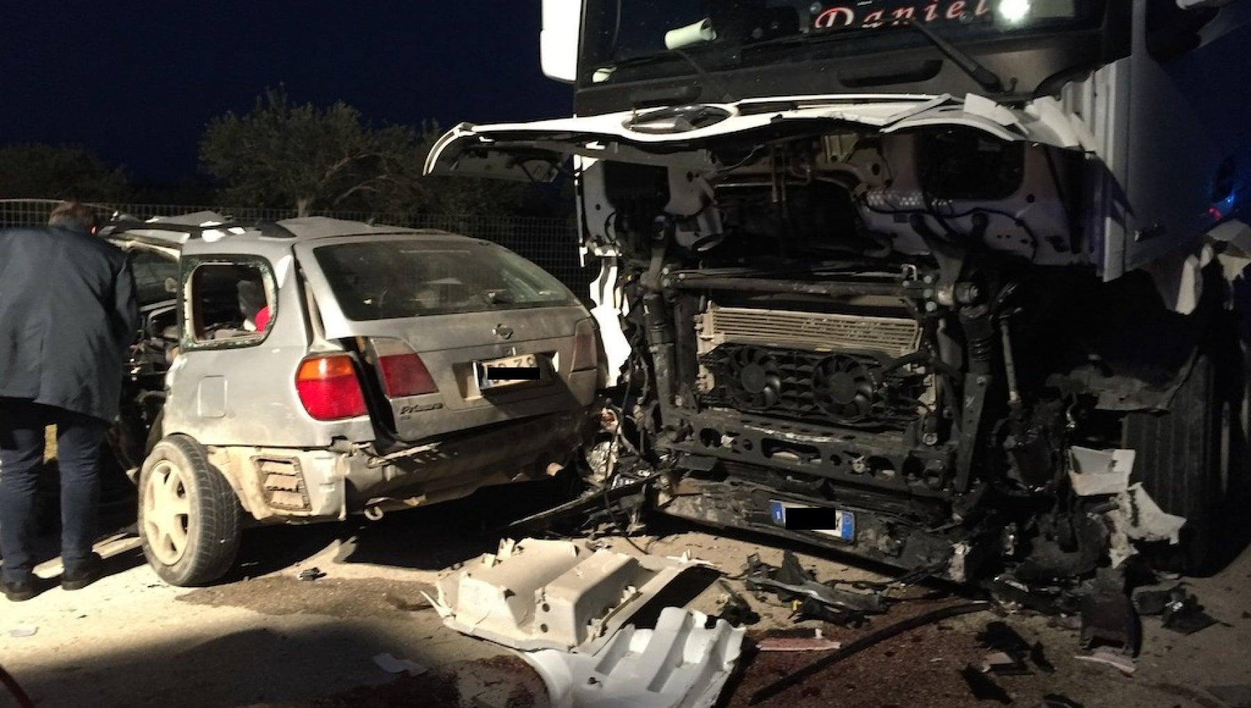 192505738 3557db42 d6a6 42be 8c20 296cf5747a2c - Auto contro un tir, morti tre braccianti agricoli nel Siracusano