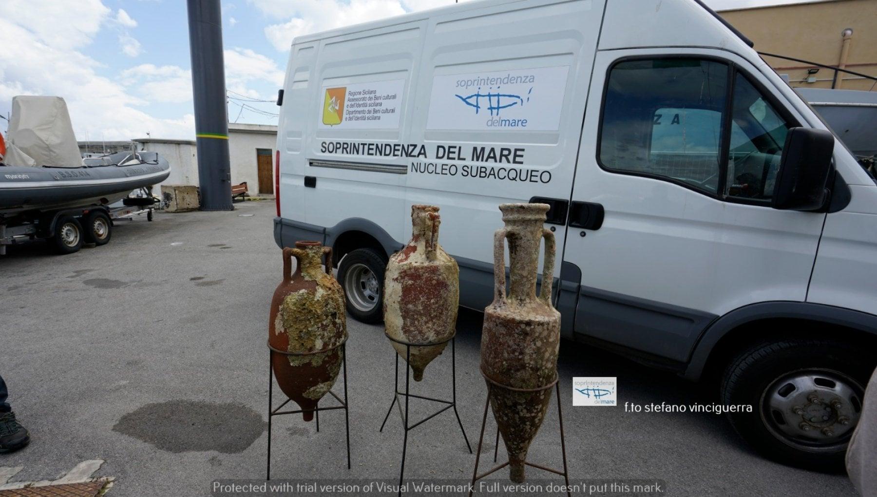Tre anfore romane trovate nel mare di Mondello