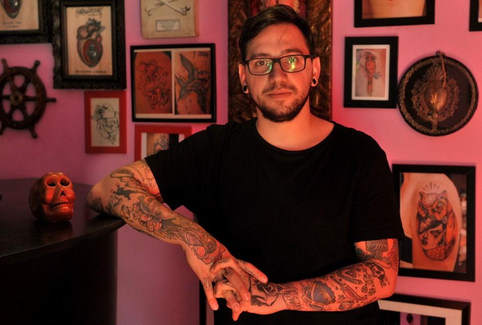 Vita da tatuatore gli artisti di parma si raccontano foto - Col foglio rosa posso portare passeggeri ...