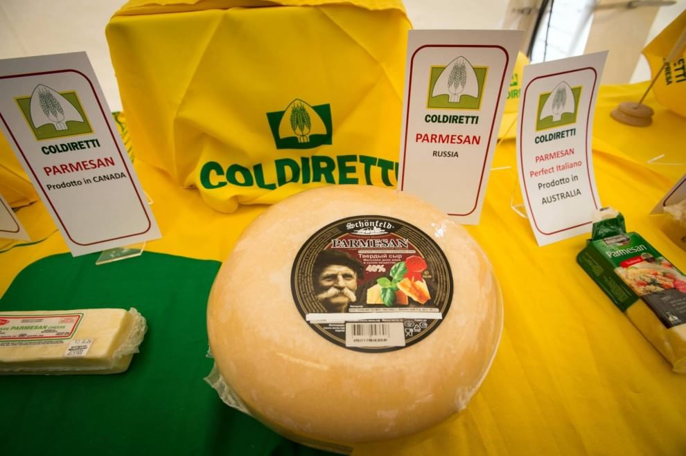 Parmigiano Reggiano, Coldiretti in piazza per difendere la qualità