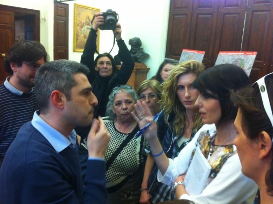 Asili, scontro tra il sindaco e i genitori