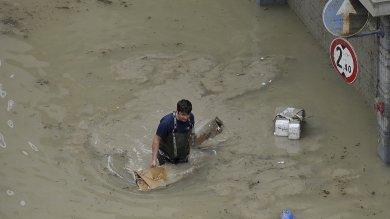 """Piccole figlie: dal fango alla ripresa   Video: l'alluvione raccontata dai dipendenti       Video: """"Ancora tanto da fare"""""""