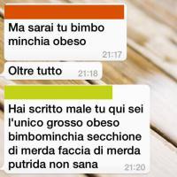 Bullismo e volgarità su Whatsapp: il preside pubblica la chat degli alunni su Facebook