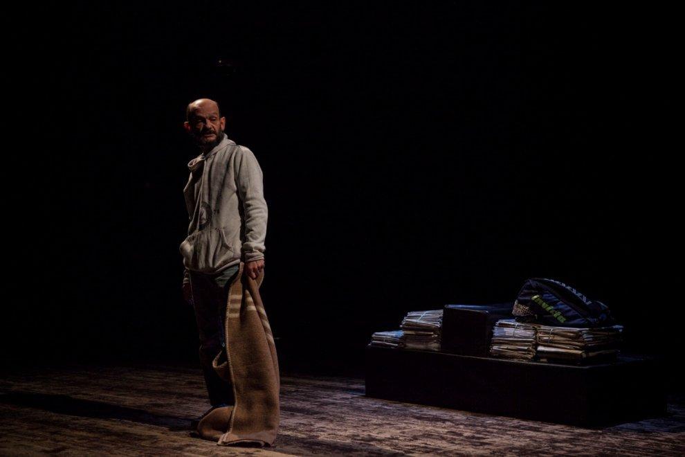 Teatro, Gallicani racconta una vita fuori posto