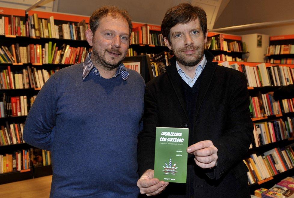 Cannabis, alla Feltrinelli di Parma dibattito con Civati sulla legalizzazione
