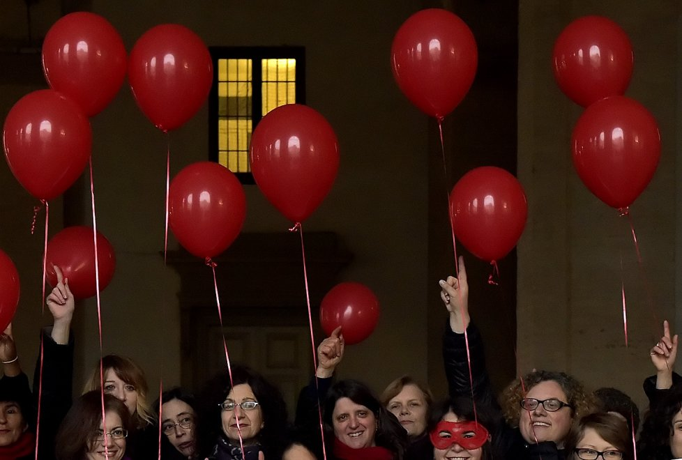 "Parma: flash mob ""One billion rising"""