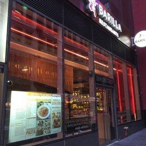 Nel ristorante Barilla a Manhattan i giudizi finiscono in vetrina