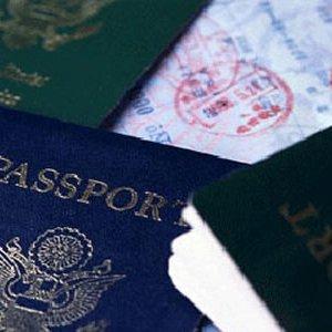 Parma, passaporto falso per il permesso di soggiorno: arrestato ...