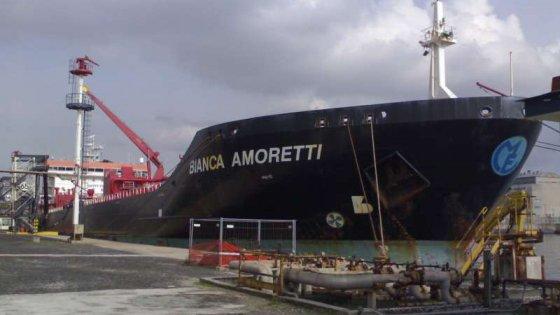 Venezia, cadavere in una nave mercantile della Amoretti di Parma