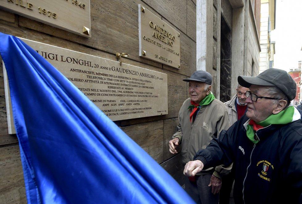 Parma, i partigiani Luigi Longhi e Gaudenzio Anselmo ora hanno una lapide