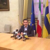 Parma, Pizzarotti sospeso attacca: