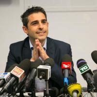 """M5s, Di Maio: """"Pizzarotti sospeso da Grillo"""""""