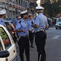 Parma, Mercedes investe moto in viale Rustici e poi fugge