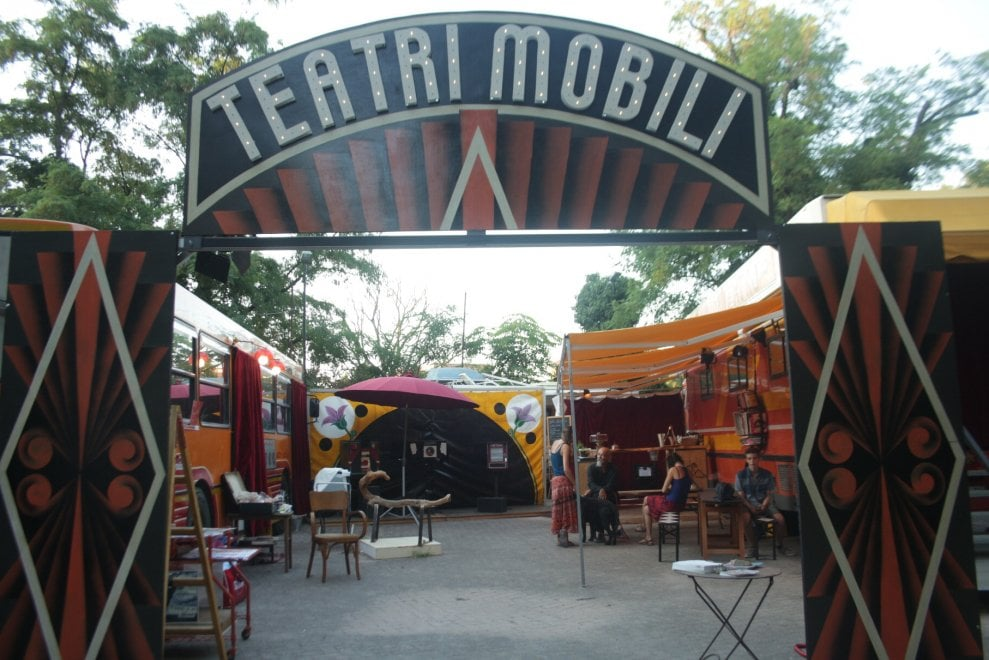Parma, il teatro mobile nel Parco