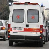 Parma, cade dalla moto in via Abbeveratoia: centauro in gravi condizioni