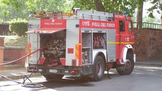 Parma, pentola sul fuoco brucia, paura per tre bambini