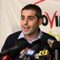 M5s, Bugani tende la mano a Pizzarotti: