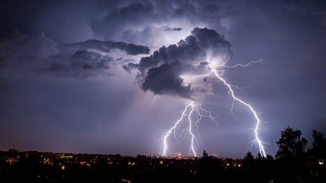 Allerta meteo, temporali in avvicinamento: possibili grandinate