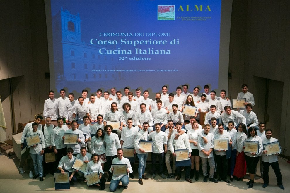 Alma parma i diplomati alla scuola superiore di cucina 1 di 1 parma - Corso cucina italiana ...