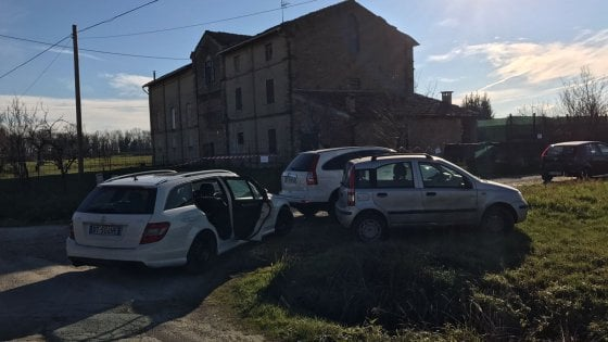 Parma: due donne trovate morte in un casolare, una è trans