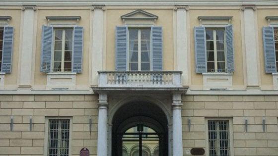 Parma, 30enne aggredito e rapinato da quattro ragazzini