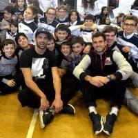 Basket, Cerella dell'Armani Jeans dai piccoli cestisti di Parma