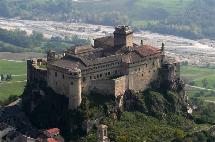 Luoghi del cuore, nella top five il castello di Bardi